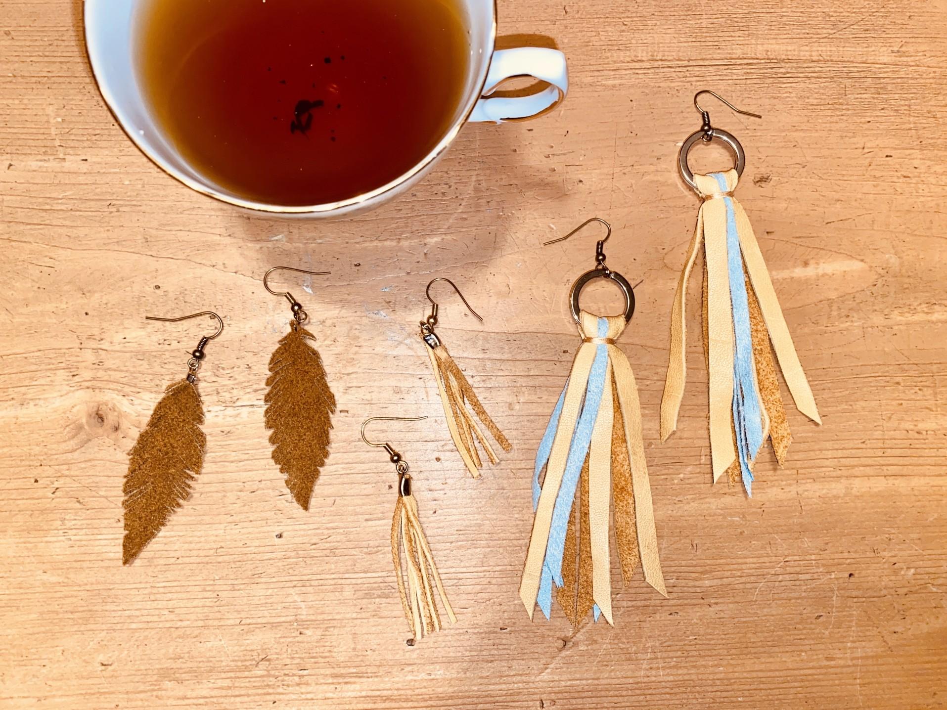 bijoux en cuir pompette